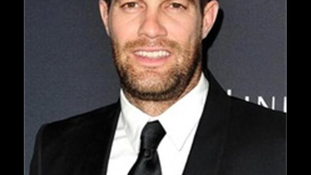 Enlisted's Geoff Stults Lands Lead in CBS' Cuz-Bros