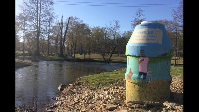 Manhole Mural Project Attracts Little Rock Youth