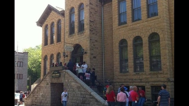 Breaking: First Same-Sex Marriage Licenses Granted in Eureka Springs