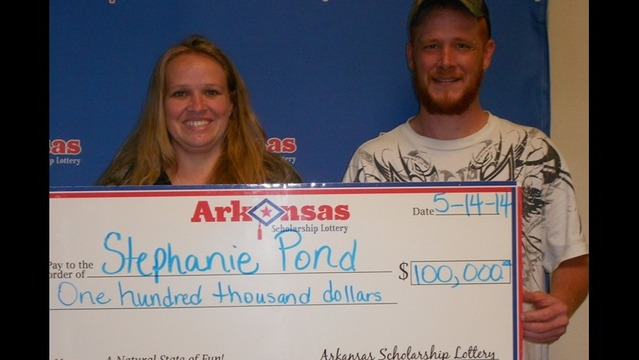 Texarkana Woman Wins $100,000 from Arkansas Lottery