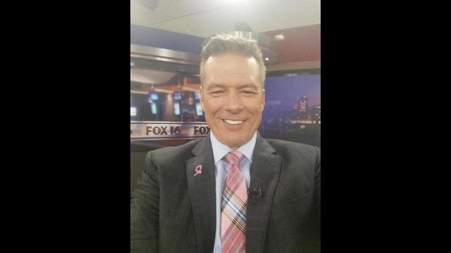 Kevin Kelly's pink tie for October 7.