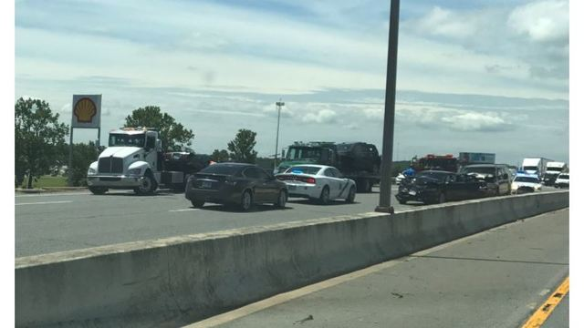 Multi-Vehicle Accident Shuts Down Part of I-30 in Little Rock