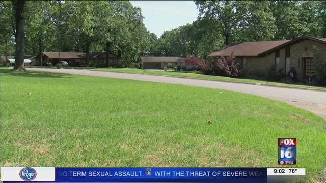 Suspicious man offers girl a ride in NLR