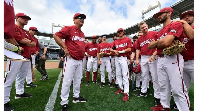 Hog baseball team takes on Florida State tonight in the College World Series